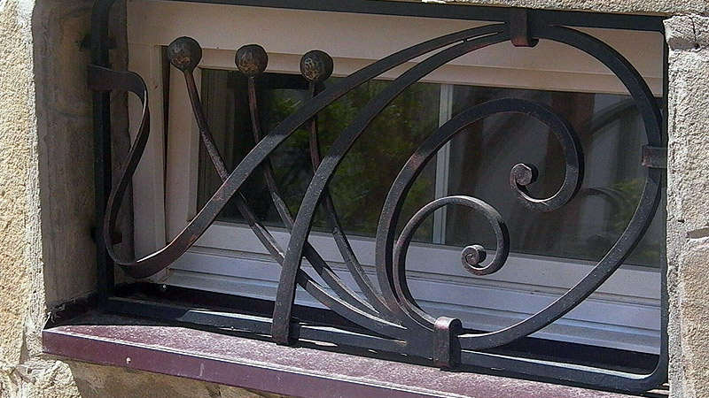 кованые решётки на окна фото