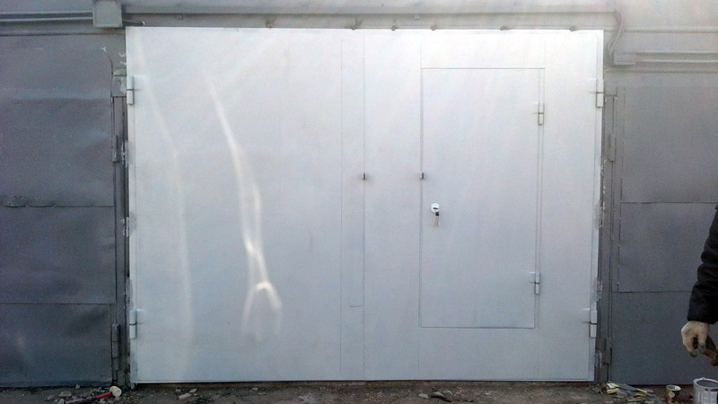 фото гаражных ворот распашных